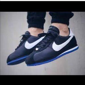 • Nike • Undefeated x Nike Lab Cortez LA Snaeaker